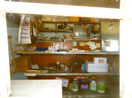 Jones Grocery-Inside