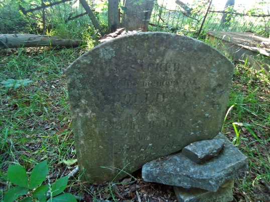 Grave of Dollie Mills